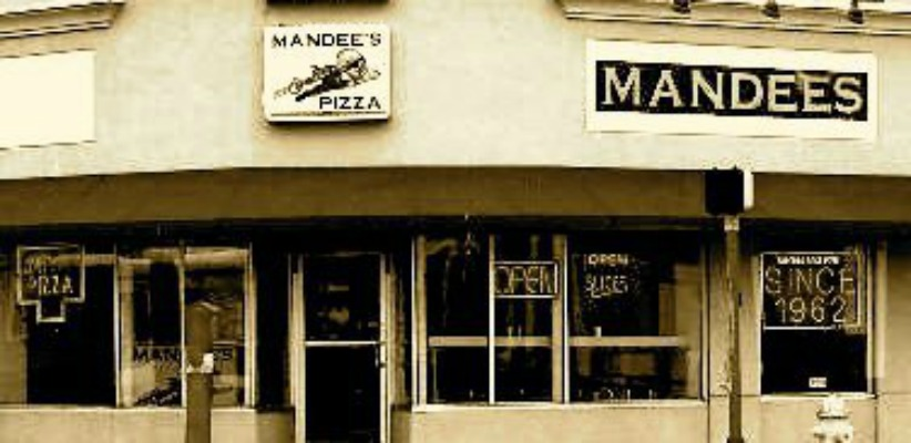 Mandees Pizza